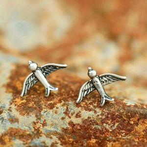 Sparrow Stud Earrings in Hammered Burnish Silver